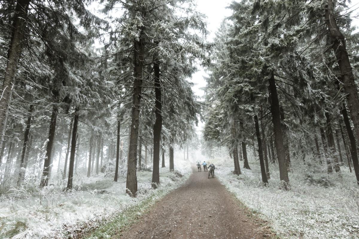 Czech Enduro Race Jested: Uphill zur Stage 1 im Schnee